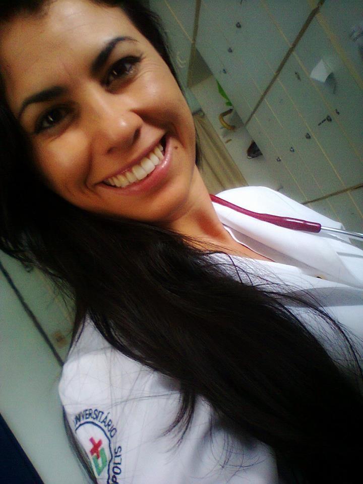 Fernanda foi a primeira indígena a ingressar no curso de medicina da UFSC por cotas (Foto: Arquivo Pessoal/Divulgação)