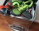 Myles Jury protesta contra a Reebok com calçados em lixeira e promete doá-los