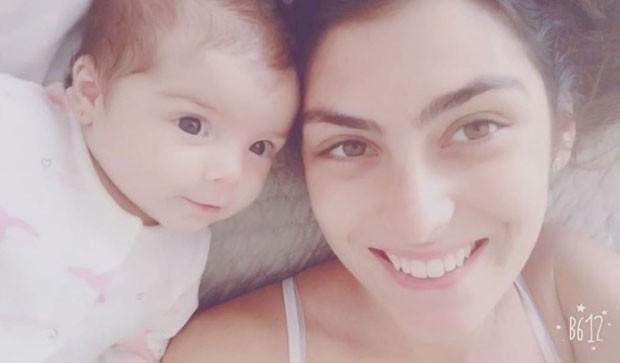Maria com a mãe, Mariana (Foto: Reprodução Instagram)