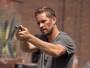 Tela Quente: em seu penúltimo filme Paul Walker controla o '13º Distrito'