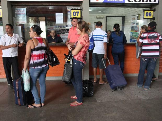 Empresas de transporte estão montando operação com até o dobro da frota para atender à demanda (Foto: Flora Dolores/O Estado)