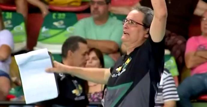 Chico dos Santos, técnico, Vôlei Bauru, Superliga (Foto: Reprodução / TV TEM)