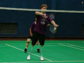 A ATACAR oferece aulas de badminton adaptado e handebol adaptado  (Foto: Divulgação)