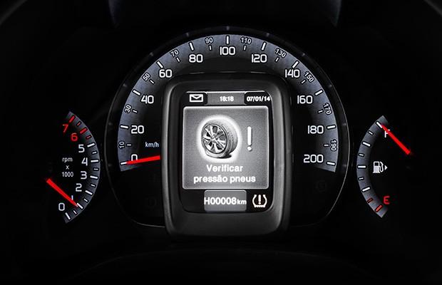 Sistema de monitoramento de pressão dos pneus do Fiat Mobi (Foto: Fiat)