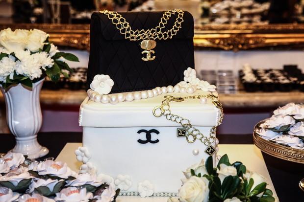 O bolo da aniversariante (Foto: Manuela Scarpa/Photorionews)