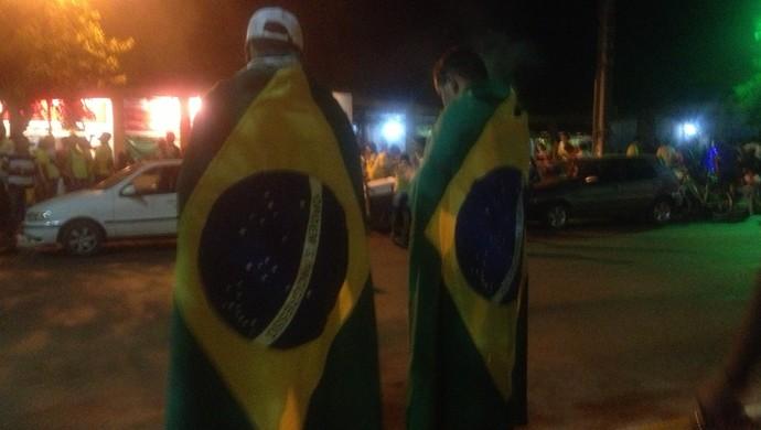 Comemoração na avenida Palmas Brasil é uma tradição dos palmenses após os jogos da Seleção Brasileira (Foto: Vilma Nascimento/GloboEsporte.com)