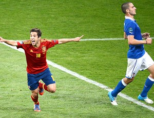 Jordi Alba comemora gol final Espanha It&#225;lia (Foto: AFP)