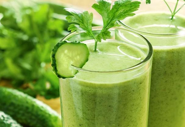 Faça o suco detox em casa e prove você mesma os efeitos  (Foto: Shutterstock)