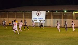 Rio Negro-RR sai atras do placar nos primeiros minutos da partida (Foto: Nailson Wapichana/GloboEsporte.com)