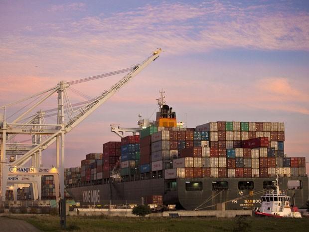 Produtos da China em porto da Califórnia (EUA). País asiático aposta na competividade para crescer (Foto: Beck Diefenbach/Reuters)