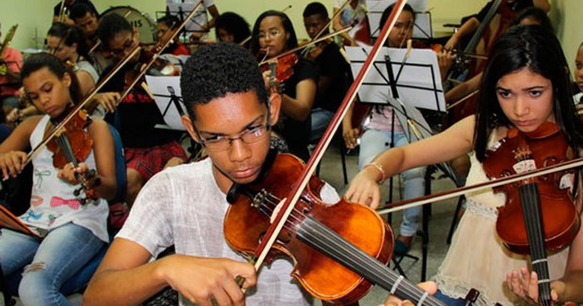 Conservatório tem 72 vagas em cursos de instrumentos de orquestra - Globo.com