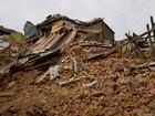 Equipes buscam helicóptero dos EUA desaparecido no Nepal