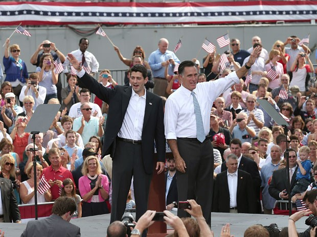 Ryan e Romney em anúncio oficial do vice da chapa republicana (Foto: AFP)