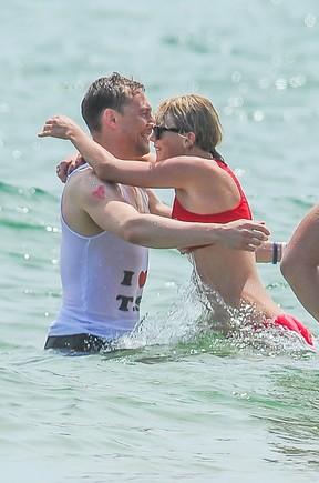 Taylor Swift e Tom Hiddleston (Foto: AKM-GSI)
