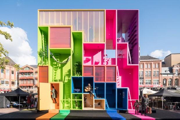 Estúdio cria hotel colorido adaptado a diferentes hóspedes (Foto: Divulgação)