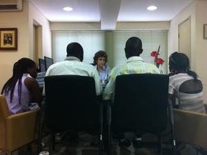 Alunos procuraram Ministério Público para resolver situação e evitar ser deportado (Foto: Sabrina Aguiar/TV Verdes  Mares)