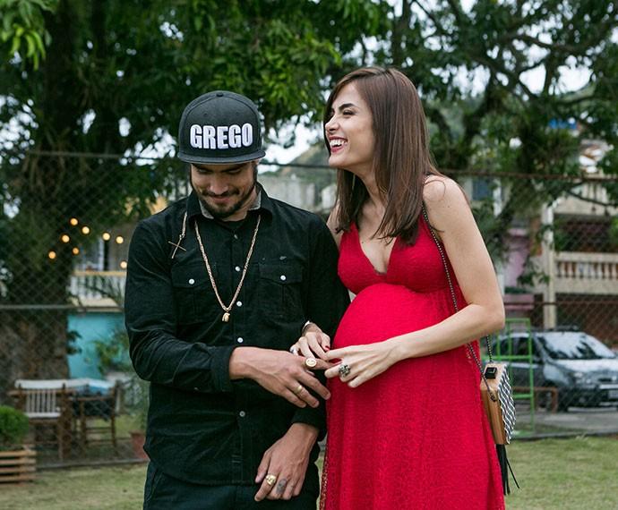 Grego e Margot sorridentes após cumprimentares os noivos (Foto: Isabella Pinheiro/Gshow)