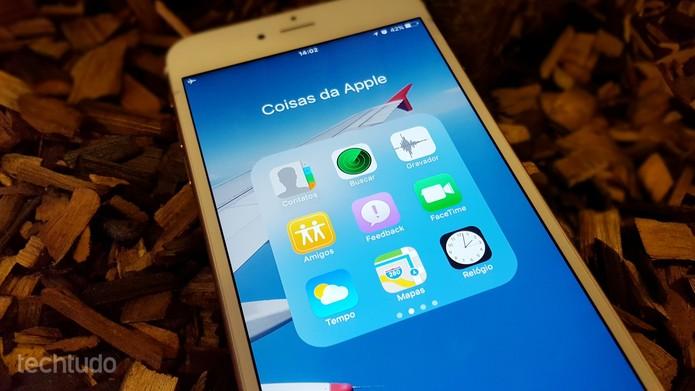 Vai dizer que você não tem uma pasta com os apps obrigatórios da Apple? (Foto: Thássius Veloso/TechTudo)