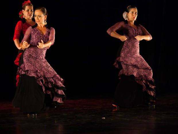 Apresentação do Studio de Dança Capricho Espanhol (Foto: Débora Amorim/Divulgação)