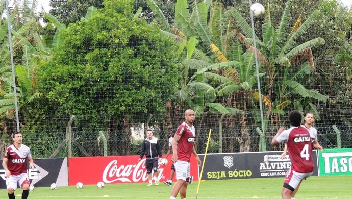 figueirense treino bola alta  (Foto: Renan Koerich)