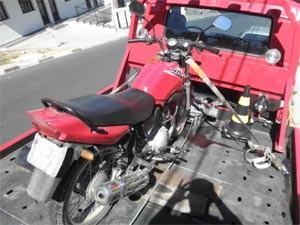 Moto apreendida foi reconhecida pelo dono em Serra Negra (SP) (Foto: Divulgação/ Polícia Militar de Serra Negra)