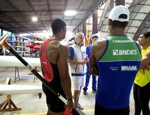 Jesus Morlán técnico treino canoagem Brasil (Foto: EFE)
