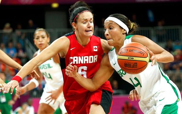 Adriana basquete Brasil x Canadá (Foto: Reuters)