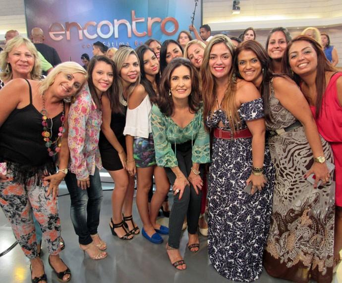 Outro clique da plateia com a apresentadora  (Foto: Priscilla Massena/Gshow)