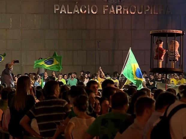 Protesto Porto Alegre (Foto: Reprodução/RBS TV)