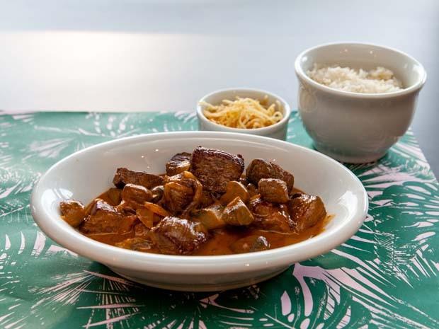 Clássico strogonof de carne será servido na área VIP do Lollapalooza São Paulo (Foto: Divulgação/Rubens Kato)