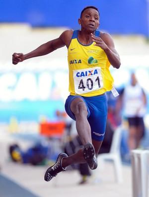 Mauro Vinicius, o Duda, vai competir em janeiro (Foto: Agência Luz/BM&FBOVESPA)