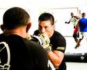 """""""É meu último degrau para o cinturão"""", diz John Macapá sobre luta no Bellator"""
