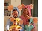 Shakira e Piqué se fantasiam com os filhos de 'Família Topo Gigio'