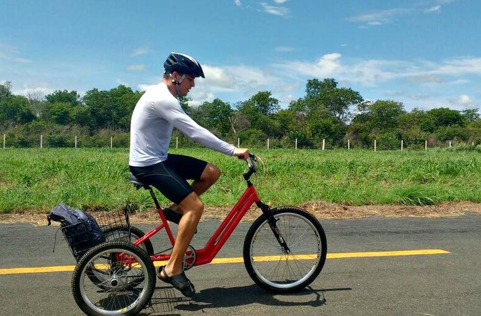 Pedal é feito em espécie de triciclo (Foto: Arquivo pessoal)