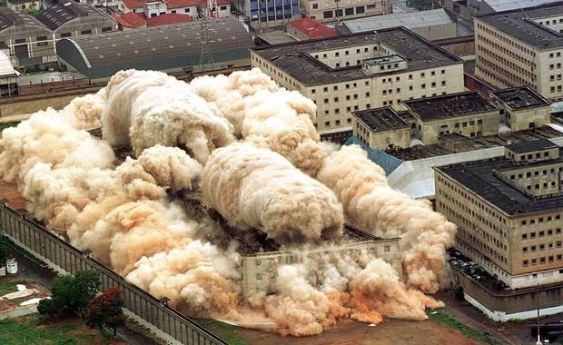 Implosão da Penitenciária do Carandiru (Foto: O Globo)
