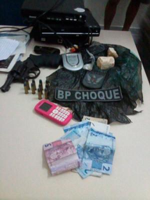 Material apreendido com suspeito nesta terça na zona Norte de Natal (Foto: Divulgação/Polícia Militar do RN)