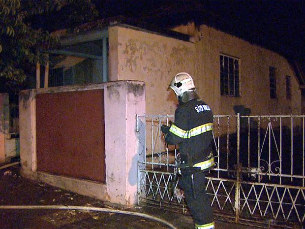 Incêndio em Ribeirão (Foto: Ronaldo Oliveira/ EPTV)