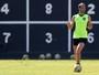 """De volta à fila, Carli deve mudar """"fama"""" para reconquistar espaço no Botafogo"""