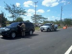 Fiscalização na PRF em Piripiri.  (Foto: Patrícia Andrade )