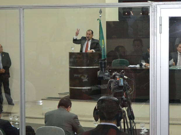 Deputado Jânio Xingu na tribuna da Assembleia Legislativa de Roraima (Foto: Vanessa Lima/G1 RR)