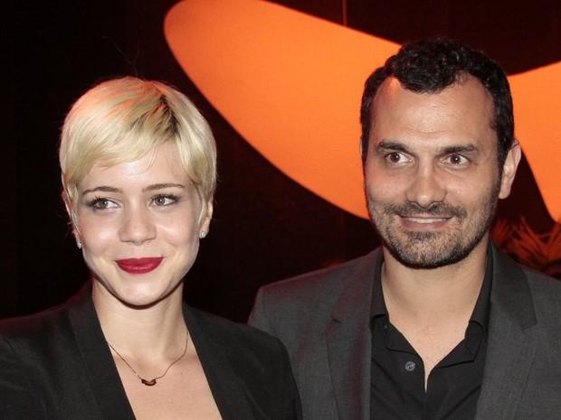 Leandra Leal e namorado em festa no Rio (Foto: Isac Luz/ EGO)