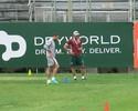 Douglas treina sem problemas, e Levir repete escalação para encarar o Sport