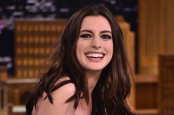 Diretora deixa escapar: Anne Hathaway vai protagonizar filme sobre Barbie (Foto: Getty Images)