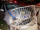 Motociclista embriagado atinge carro da PM em cruzamento e é preso