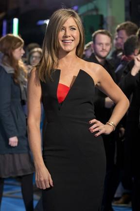 Jennifer Aniston em première de filme em Londres, na Inglaterra (Foto: Justin Tallis/ AFP)