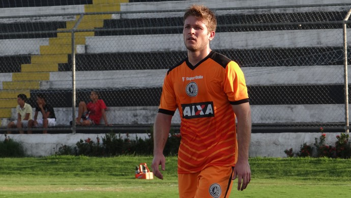 Renan Oliviera, lateral do ASA (Foto: Leonardo Freire/GloboEsporte.com)