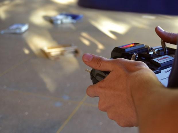 Alunos da Unicamp disputam torneio de luta de sumô com robôs de Lego (Foto: Lana Torres / G1)