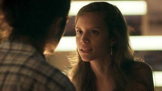 Luana dá ultimato a Nicolau após descobrir doença do namorado