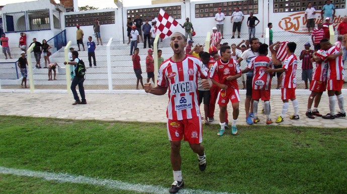 Caiçara vence após 34 jogos (Foto: Gil Galvão Cm)
