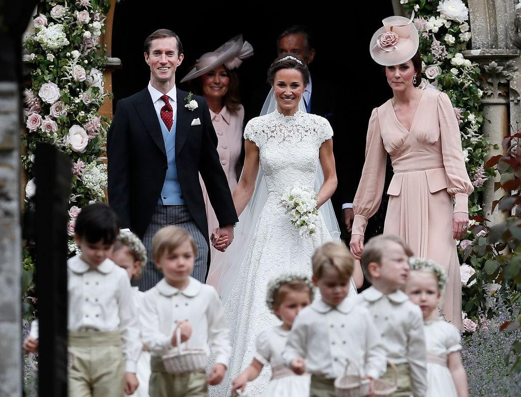 Pippa e James após a cerimônia (Foto: Getty Images)